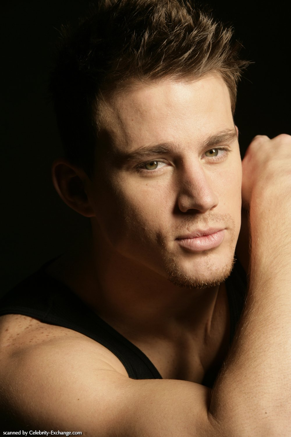 http://cms7.blogia.com/blogs/g/gi/gin/gingelita/upload/20091018125223-channing-tatum03.jpg