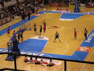 Reglamento baloncesto deportes for Fuera de juego del valladolid